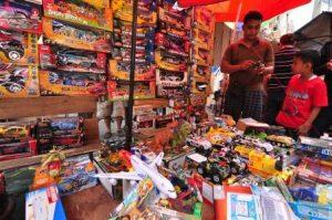 Pusat Mainan, Pasar Asemka, Jakarta traveller